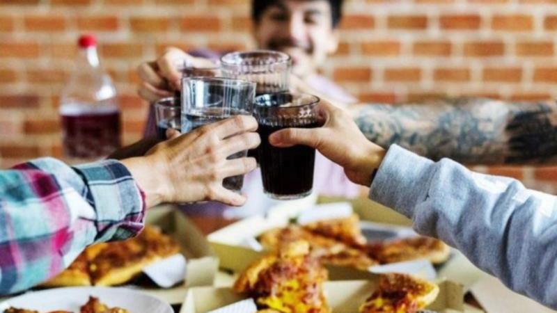 Vuelven los encuentros sociales y familiares en domicilios particulares